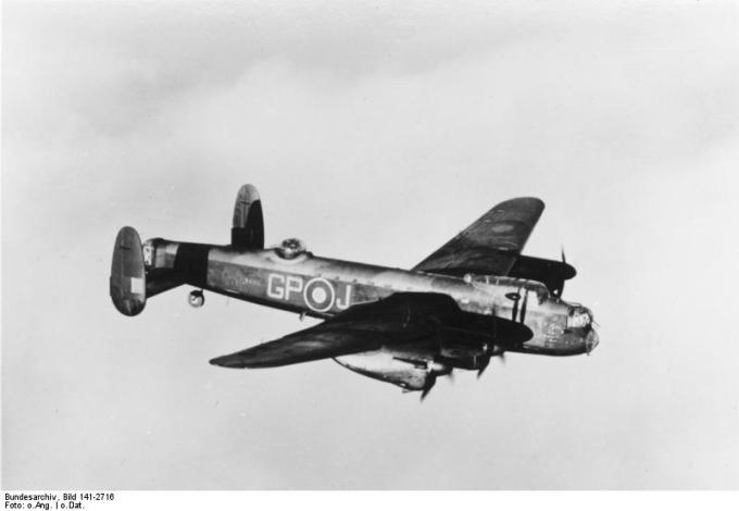 Britisches Flugzeug Avro Lancaster