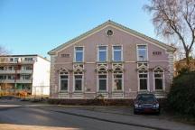 Die ehemalige Langeloh-Schlosserei. Hinter dem Gebäude sollen 14 neue Wohnungen und eine Tiefgarage gebaut werden.